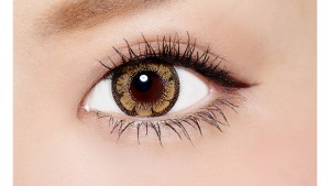 ワンデーサイバーゴールド クリスタルブラウン バイ ヴィヴィアントウキョウコレクションの装着画像・レンズ画像・パッケージ箱画像レポ