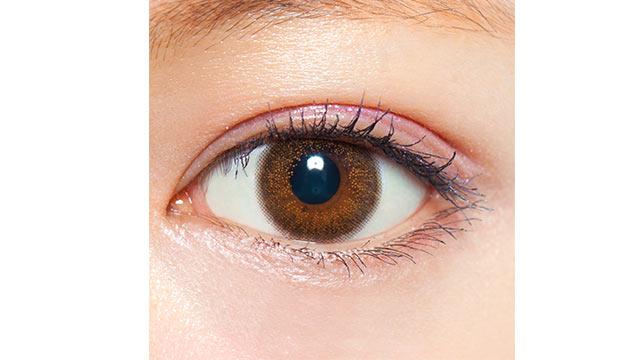 クレアバイマックスカラー シナモンブラウンの装着画像・レンズ画像・パッケージ箱画像レポ