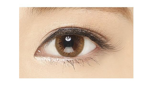 ミッシュブルーミン イノセントシリーズ ヴィンテージキャメルの装着画像・レンズ画像・パッケージ箱画像レポ
