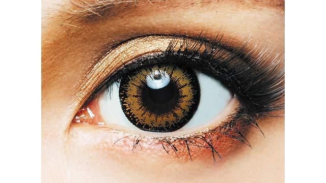 ミスリリアワンデー ソワレブライトゴールドの装着画像・レンズ画像・パッケージ箱画像レポ