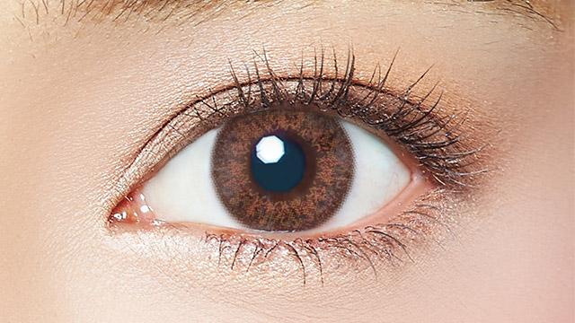 エバーカラーワンデールクアージュ リッチナイトの装着画像・レンズ画像・パッケージ箱画像レポ
