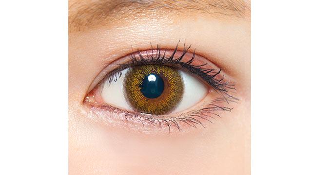 クレアバイマックスカラー アイビーヘーゼルの装着画像・レンズ画像・パッケージ箱画像レポ