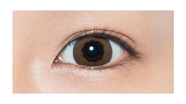 ワンマンス リフレア リル ラテミルクティーの装着画像・レンズ画像・パッケージ箱画像レポ